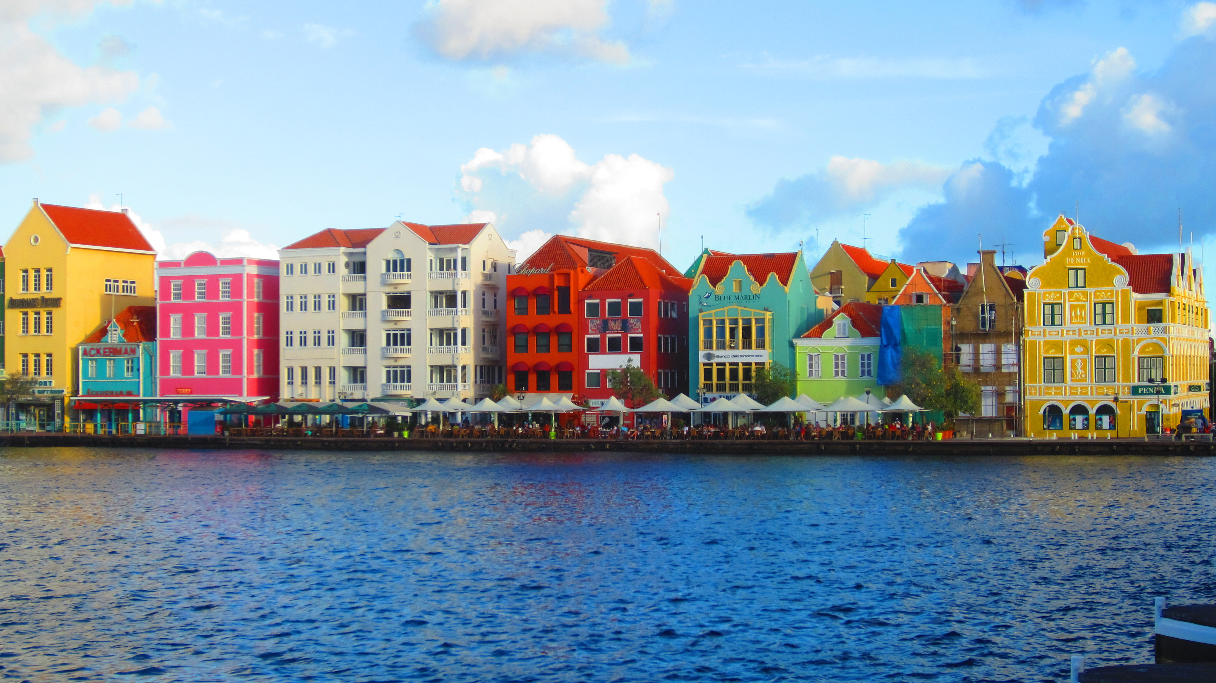 Curaçao and Djibouti - two new Cloudflare datacenters located where undersea cables meet